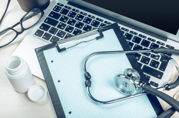 Laptop Tabla Estetoscopio